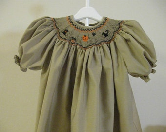 Hallow'een Hand Smocked Bishop Dress sz 2