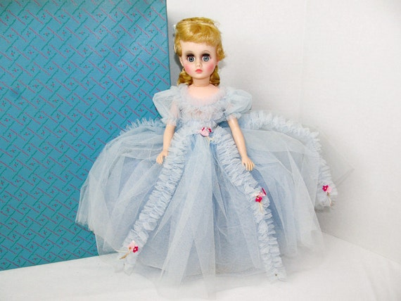 Vintage Madame Alexander 17 Elise Doll Mint In Box