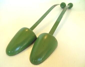 Vintage Green Shoe Stretchers Wooden 50's (item 10)