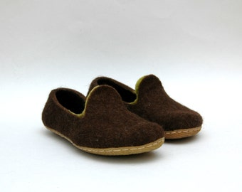 Felted WOMEN shoes Brown green - Handmade shoes - Loafers - Slippers - Women men unisex - Home shoes - winter shoes - Gift for her