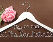 Hanger with Date & Hearts for your wedding, Personalized custom bridal hanger, brides hanger, Bridal Hanger, Wedding hanger, Bridal