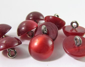 12 Vintage 12mm Crimson Red Moonglow Lucite Buttons Pd290