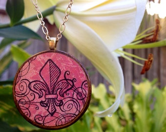 Fleur de Lis: Wood Pendant Necklace (Long)