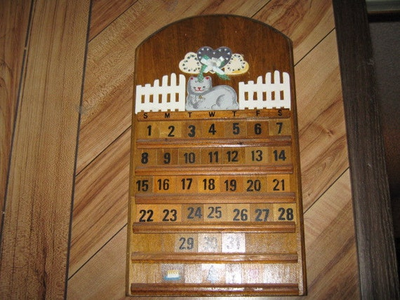 Cute kitty perpetual wood wall hanging calendar - Wooden perpetual wall calendar ...