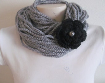 Chain Infinity Adjustable Scarf Necklace in Light Gray