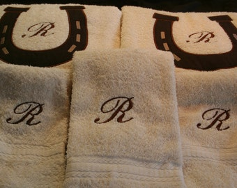 Set of 2 large Bath Towels with Personalized Monogrammed or Applique towels