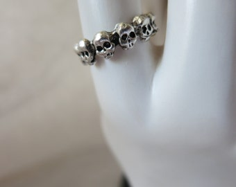 Ring, Metal, Skulls , Size 7 Silver-plated Skull Band, Connector, Jewelry Supply