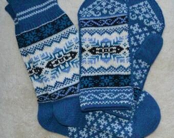 Wool Socks and Mittens set, Norwegian Scandinavian folk art Hand Crafted, 100% wool, size M L , Snowflake  Fair Isle