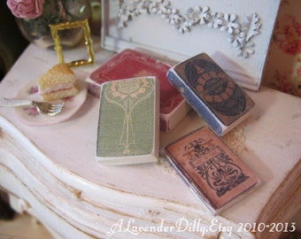 Scruffy Vintage Book Kit Set A for Dollhouse