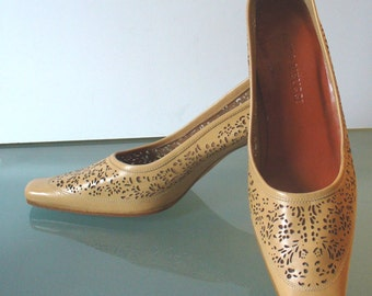 Sesto Meucci Perforated Leather Pumps Size 6US