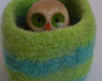 wee felted wool bowl ring holder trinket dish desktop organizer turquoise and lime