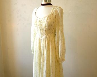 70s Gunne Sax Maxi Dress / Prairie Hippie / Casual Wedding Ivory Floral SMALL