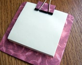 sticky note holder  mini-clip board,  magnetic memo holder - mauve with swirls