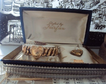 1940s 1950s Vintage Expansion Locket Bracelet with locket by Fairfax in original box