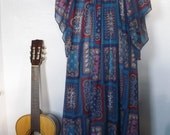 Vintage Caftan/Boho Chic Maxi Dress/Free Size  FREE SHIPPING.