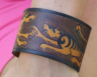 Leather bracelet. Hand painted tigers, 2 inches wide.