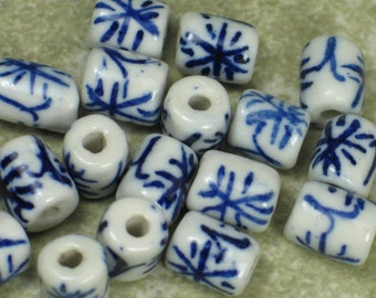 Small barrel Chinese blue & white porcelain beads