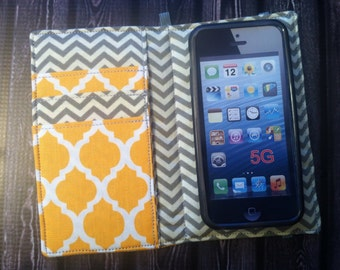 Yellow quatrefoil iPhone 3, 4, 4S, 5,6, iPod Touch 4G, 5 wallet with removable gel case