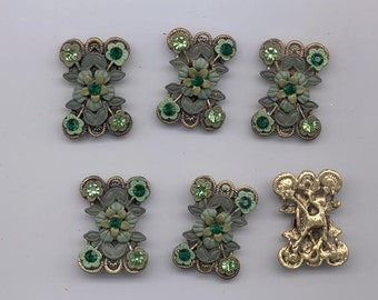 Six unusual and very cool links - gold tone pewter set with intricate clay flowers in greens - 30 x 20 mm