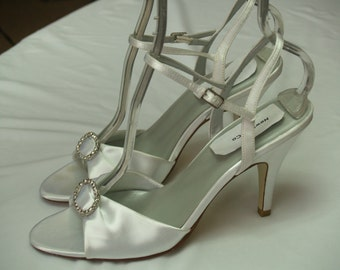 Size 9 White WEDDING SHOES Satin Sample with rhinestone brooch, Ankle Strap, Open Peep Toe Satin Heels, Can Be Dyed, Old Hollywood