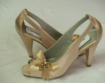 SALE Size 6 Champagne Satin Shoes,Satin Peep Toe Pumps,Cut Out Shoes, Pageant,Prom, Evening Shoes, Formal Wear, Satin Bow, Bridal Shoes