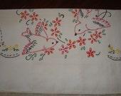 "Vintage ""Doves"" printed pillowcase"