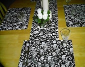 Black and White Tablerunner with 4 Matching Placemats and Napkins