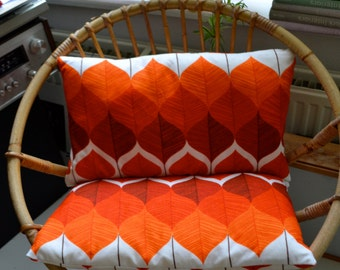 Scatter-Cushion cover made from retro fabric red/orange/white
