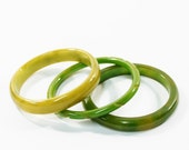 1930s bakelite bangles pea soup grass lime green swirl end of day stack set trio