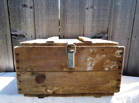 Vintage Wood Crate Box with lid 1971