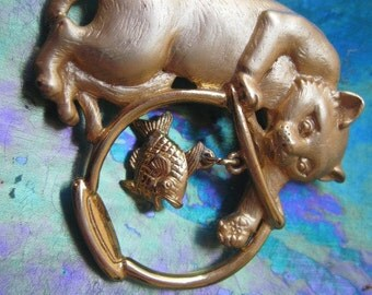 Vintage Gold tone JJ Cat With Fish Bowl Brooch