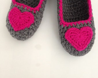 Super Chunky, Simply slippers , Adult Crochet Slippers , Pink heart slippers, house shoes