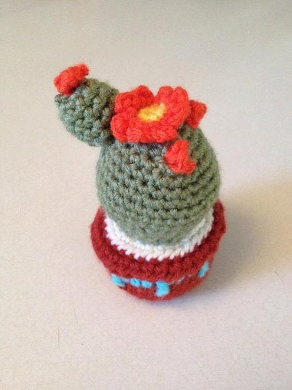 Crochet Cactus Pincushion Free Pattern : Miniature cactus pincushion