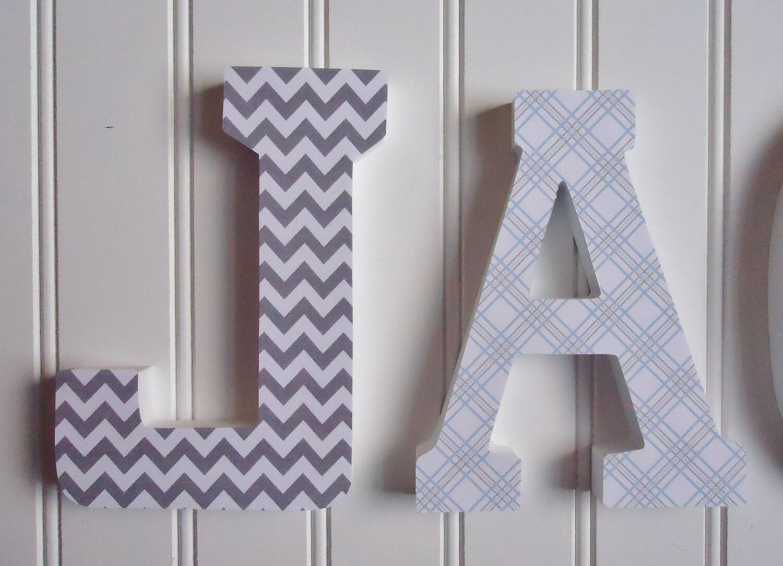 wand buchstaben kinderzimmer wanddekoration holzbuchstaben. Black Bedroom Furniture Sets. Home Design Ideas