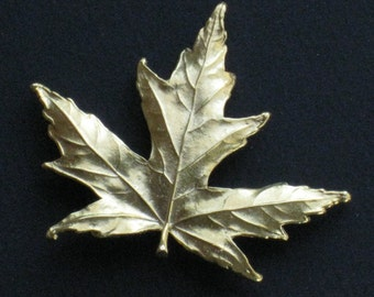 Vintage Maple Leaf Pin Brooch - Gold Tone Metal - Large Size - Unused - Jewelry, Supplies, Accessory - Made From Leaf Impression