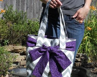 LARGE gray and white CHEVRON stripe zigzag Handbag/ Diaper Bag/ Purse/ Tote/ Beach Bag with Purple Swirl Bow/Sash and 4 Interior Pockets