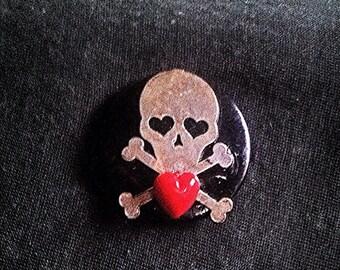 Silver Skull Pin