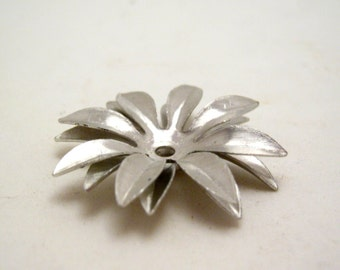 vintage brushed silver tone flower bead caps - 30mm