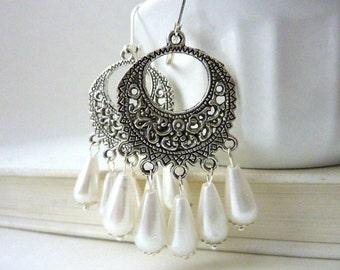 Cream pearl Earrings white chandelier earrings pearls dangle silver drops