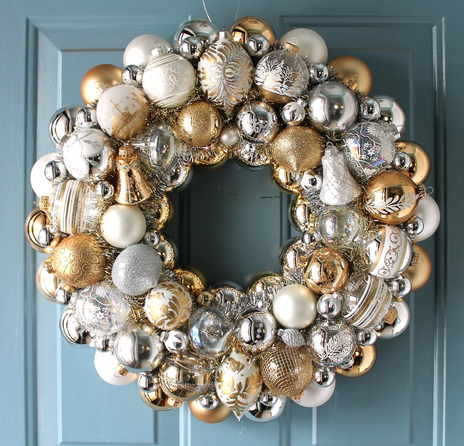 Christmas Ornament Wreath Gold Silver White