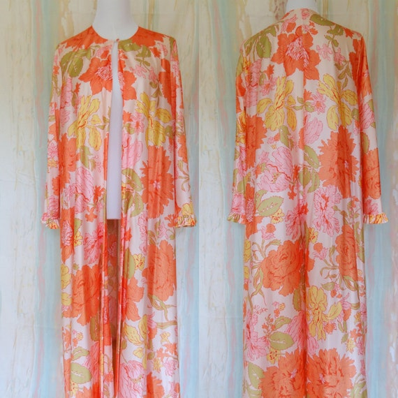 Vintage 1970s Flower Power Romantic Dressing Gown Housecoat Robe