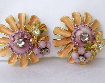 Robert Cluster Earrings Enchanting Vintage Signed Dimensional Clip On Peach Enamel Lavender Glass Beads Rhinestones Gold Tone Metal High End