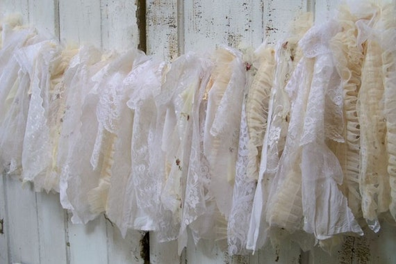 Garland white cream shabby chic lace and ruffles wedding or for Shabby chic garland lights