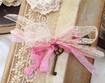 Wedding Guest book -  in vintage style - Custom
