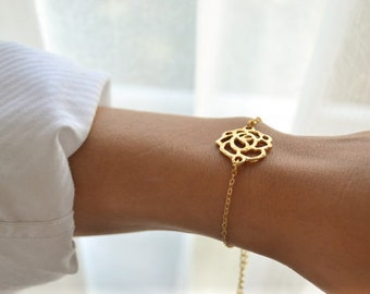 Mothers day gift, Rose bracelet, bridesmaids gift for her, gold chain, gold flower charm, gift for mom, minimalist jewelry, gold bracelet