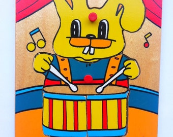 Simplex Vintage Puzzle / Bunny playing the Drums