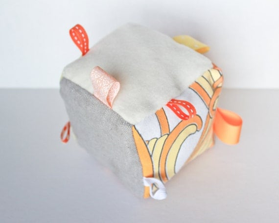 Sensory soft toy - Baby cube - Sunshine model