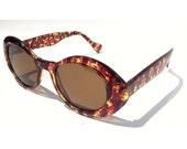 Vintage Tortoise Shell Jackie O Deadstock Sunglasses / Brown Round Glasses / Amber Glass Lenses