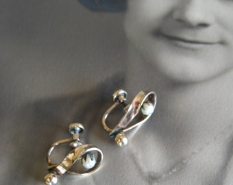 Gold and Pearl Screw Back Earrings - 12K Gold Single Pearl 1950's Screw Back Earrings