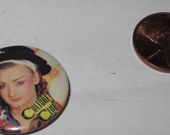 Vintage Collectible button : culture club
